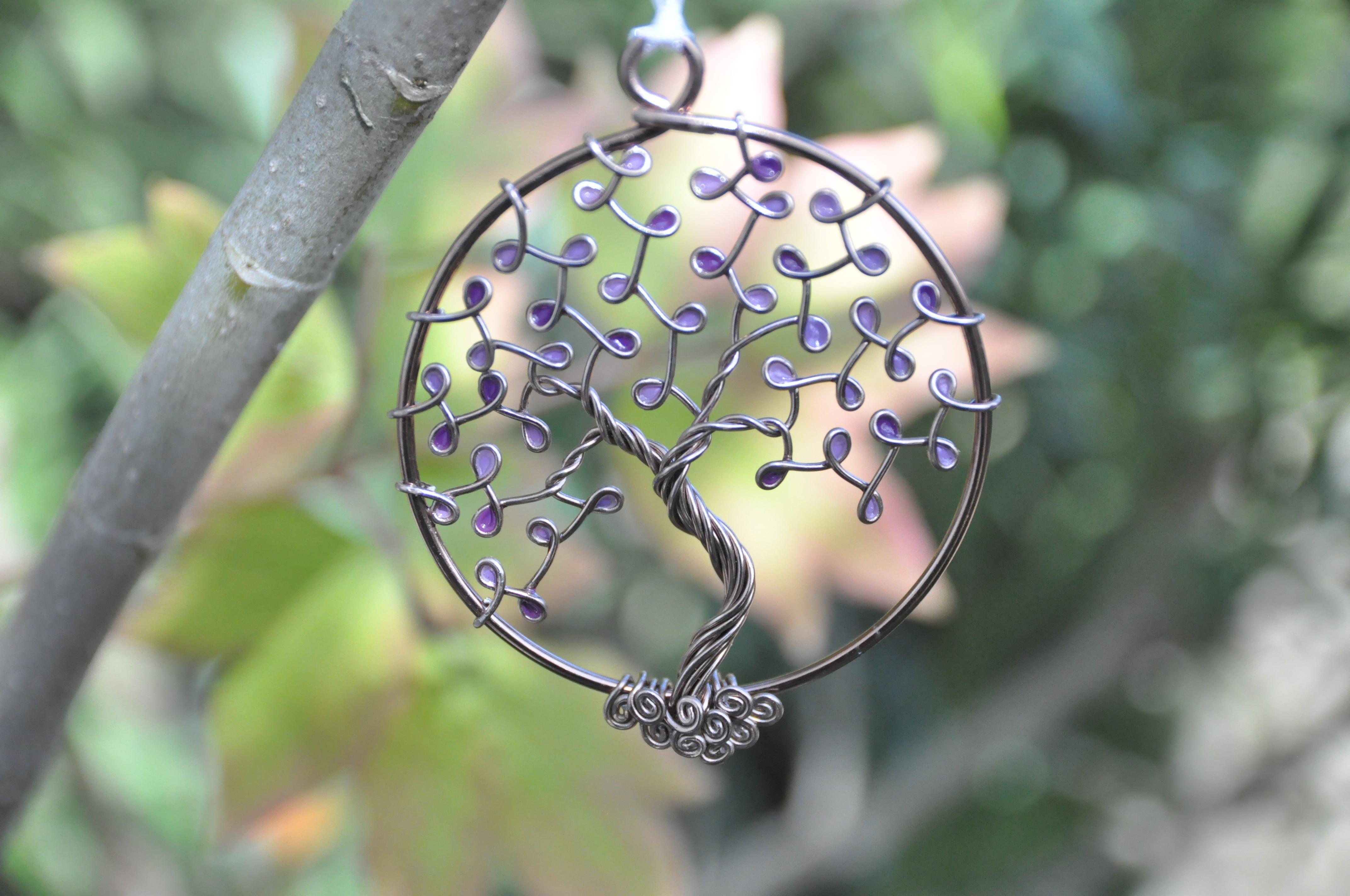 Suspension Arbre de Vie – Fil Marron clair – Feuilles violettes