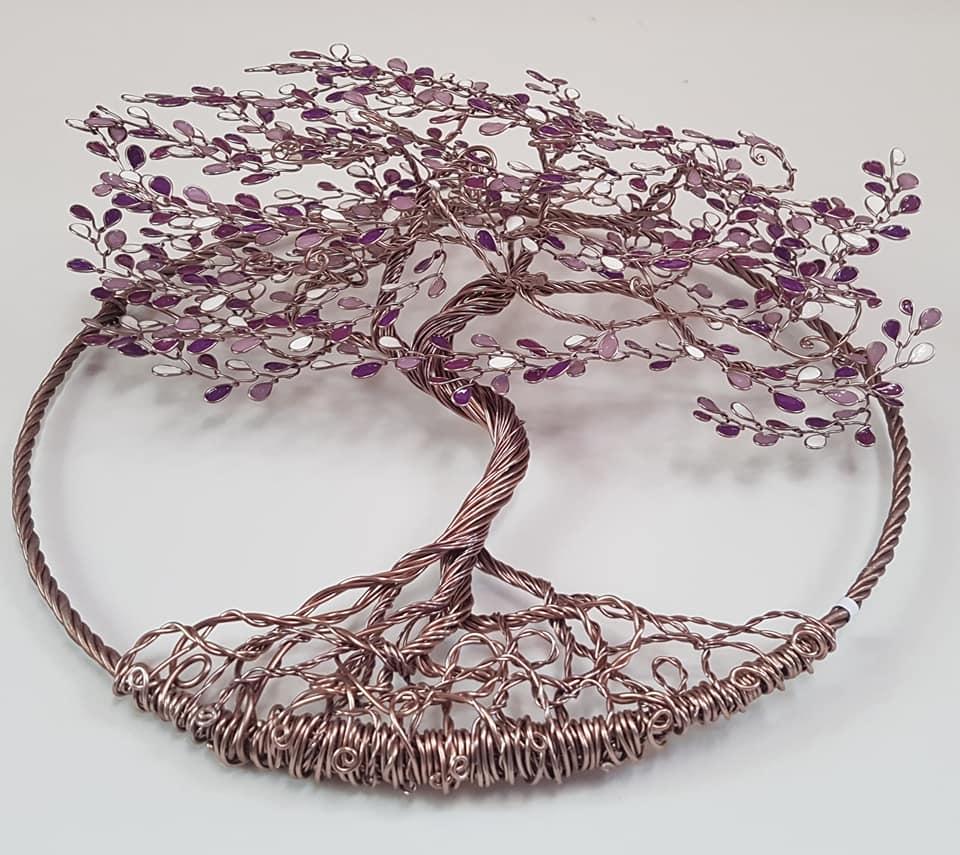 Relief 30cm – Feuilles violettes et blanches – Marron clair