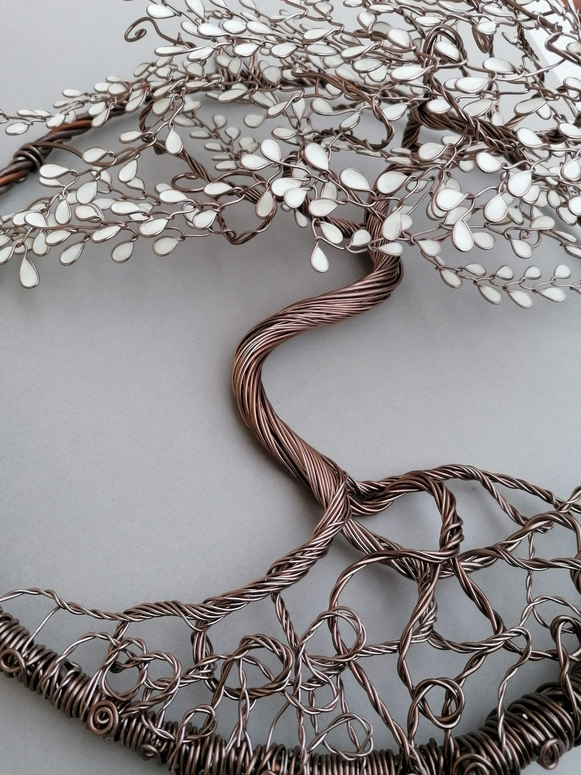 Relief 30cm – Feuilles blanches – Marron clair