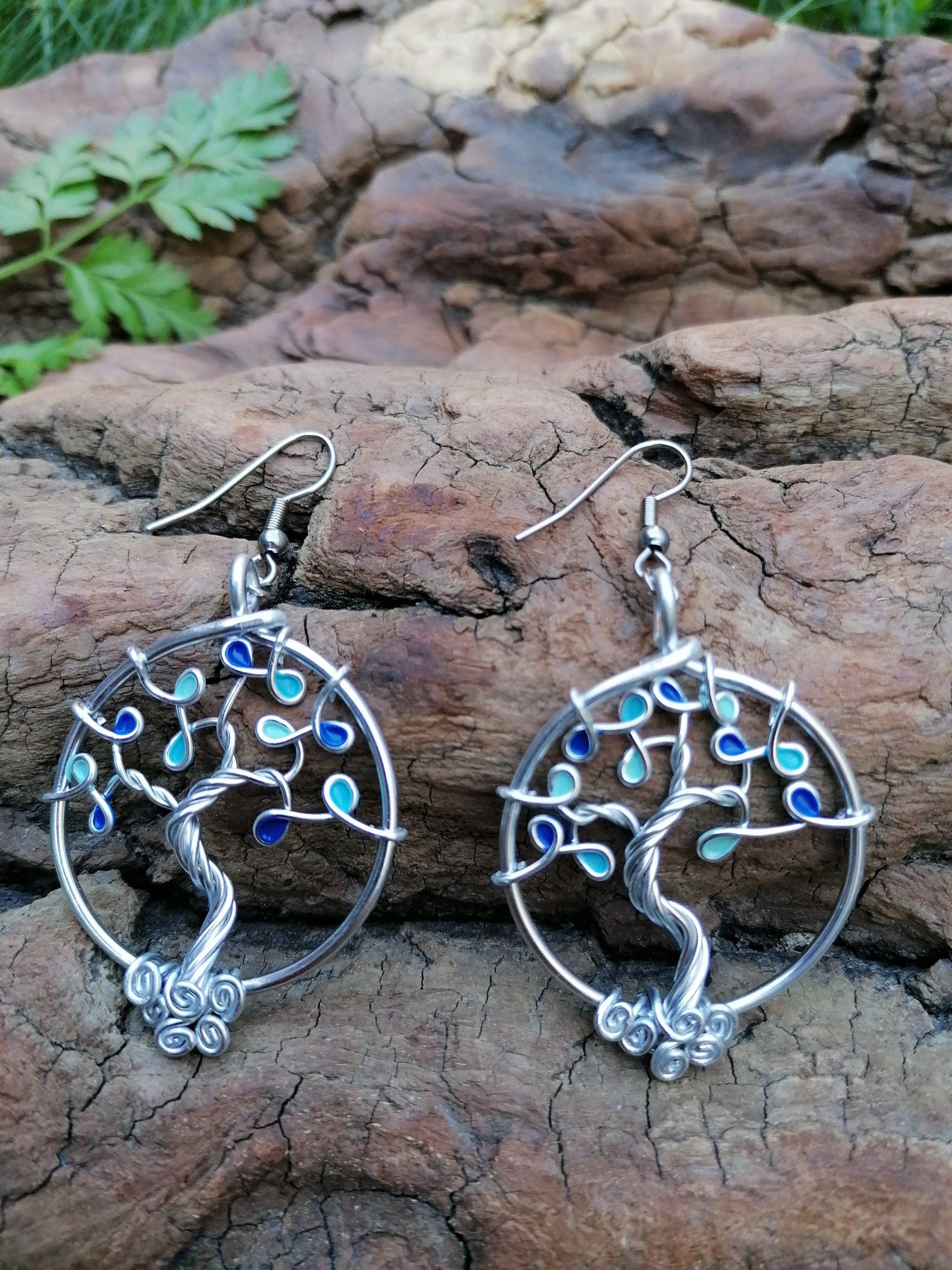 Boucles d'oreilles – Feuilles bleues (camaïeu) – Fil Argenté