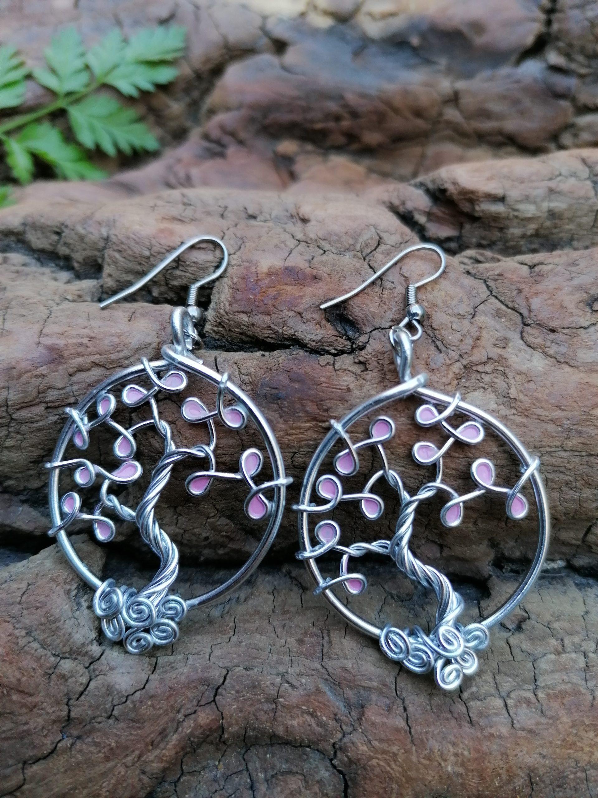 Boucles d'oreilles – Feuilles roses pâles – Fil Argenté