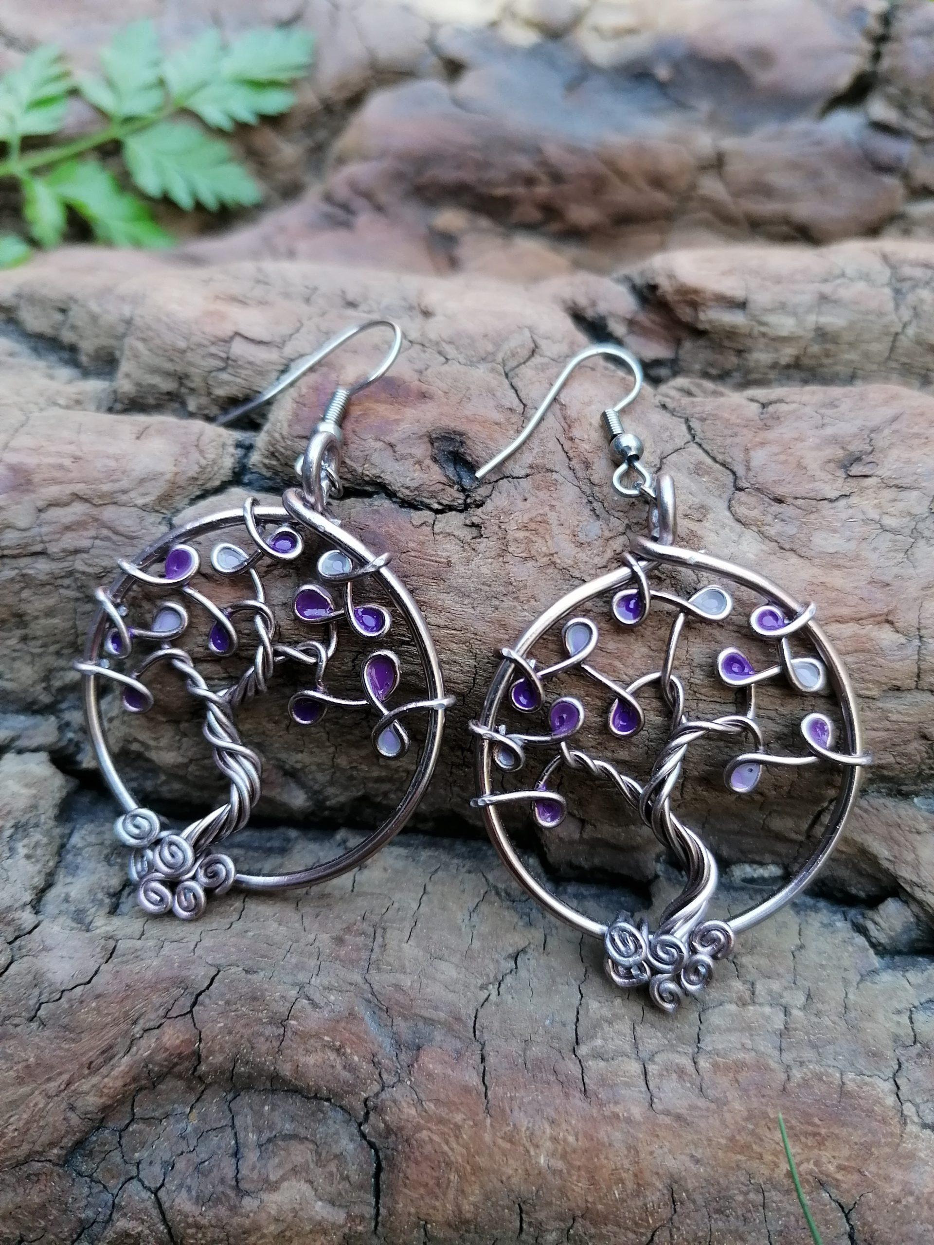 Boucles d'oreilles – Feuilles violettes (camaïeu) – Fil Marron clair