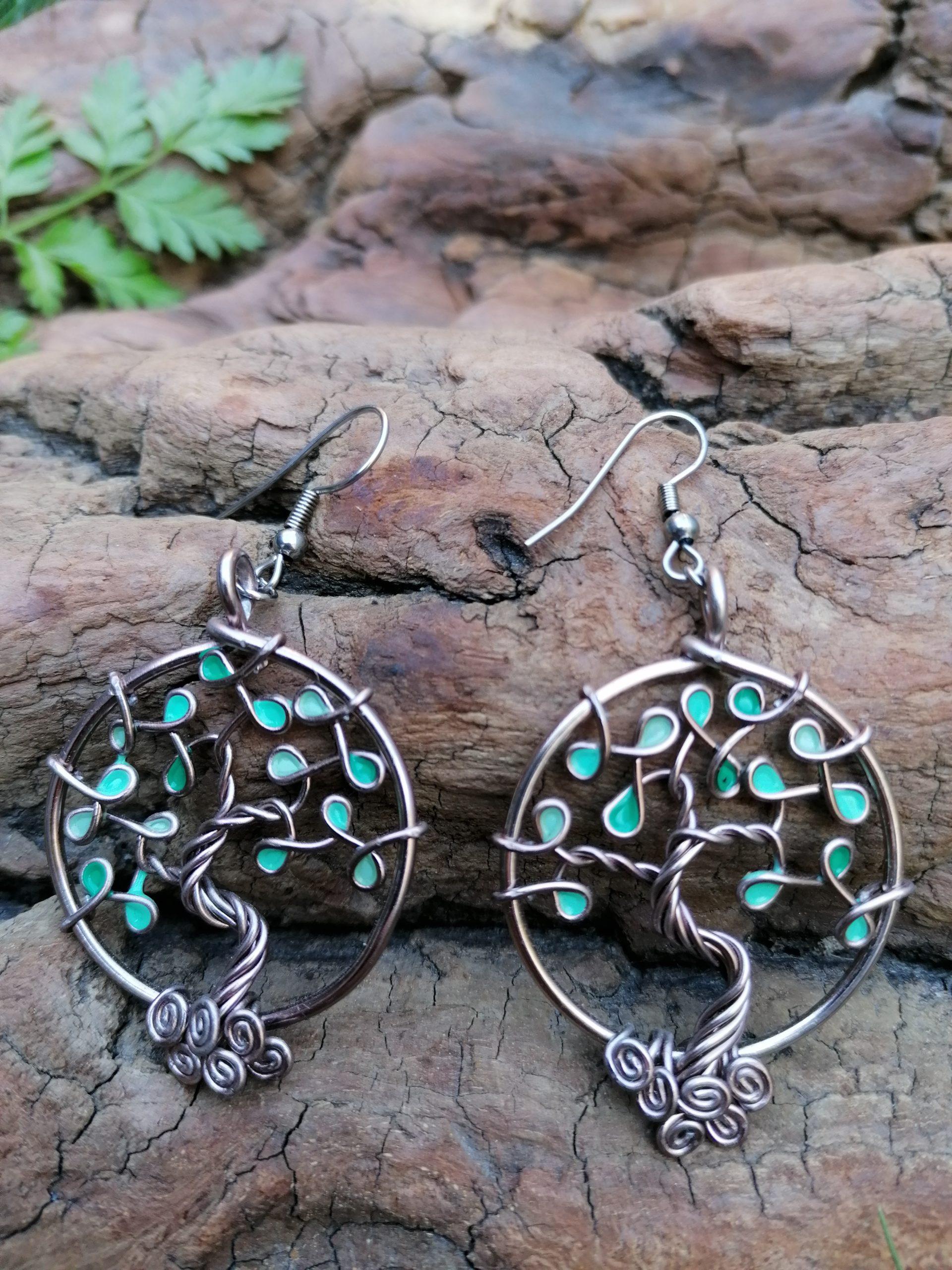 Boucles d'oreilles – Feuilles turquoises (camaïeu) – Fil Marron clair