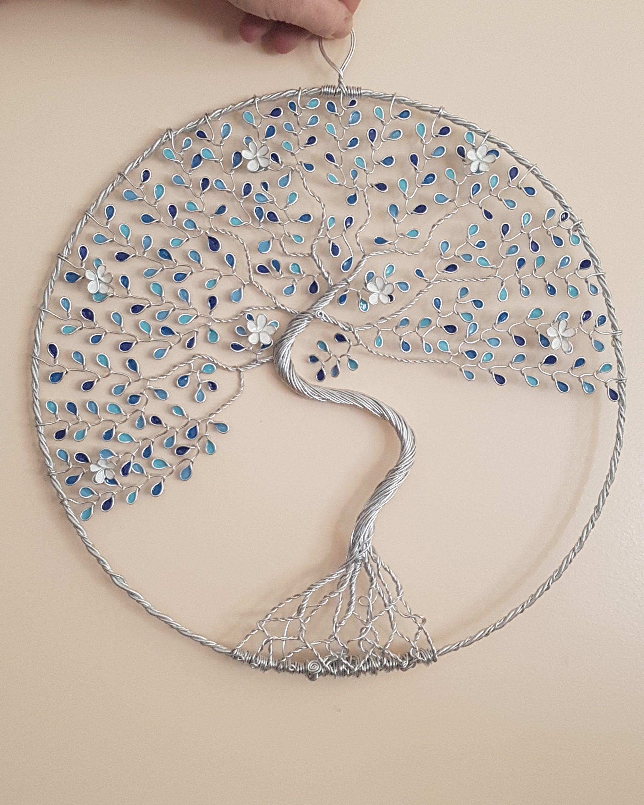 40 cm – Feuilles camaïeu de bleu – Argenté – Fleurs blanches